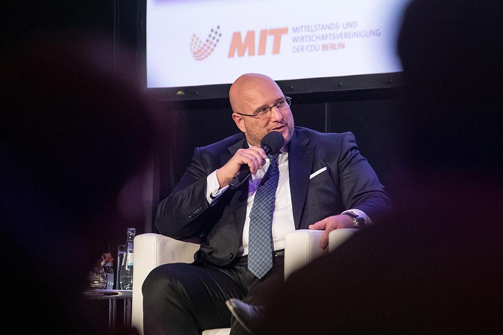 Andreas Schrobback in der Diskussionsrunde