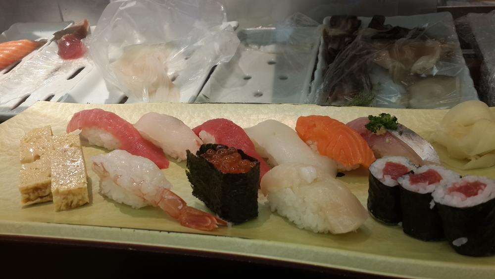 Sushi lunch @ the Tsukiji fish market