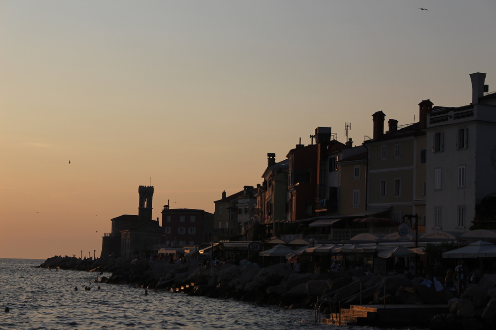 Piran's beach & restaurant