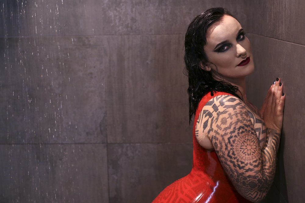 Miss Tallula Darling kinky escort BDSM ProDomme latex fetishist