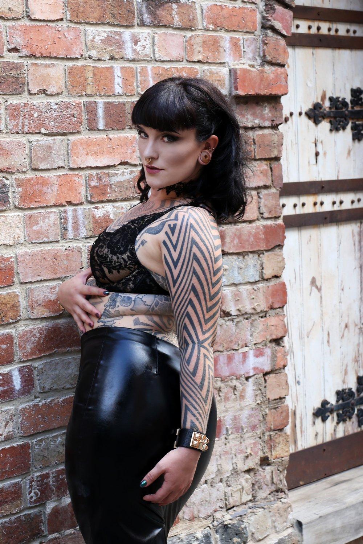 Mistress Tallula Darling, Tattooed, Kinky, Escort BDSM, ProDom, Professional Dominatrix, Seductive Domme, fetish escort, kinky escort, sydney mistress, australian mistress