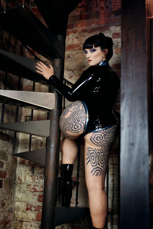 Miss Tallula, Melbourne Mistress, Sydney Mistress, Latex Leotard, Latex catsuit, Fetish boots, heel worship