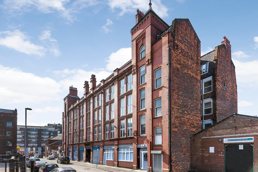 "Swan Buildings, Swan Street Manchester, M4<br><div class=""priceright"">£25 a month</div>"