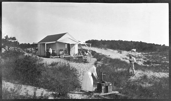 4. 1970.10.89  Summer Cottage c.1900 – photgrapher unknown