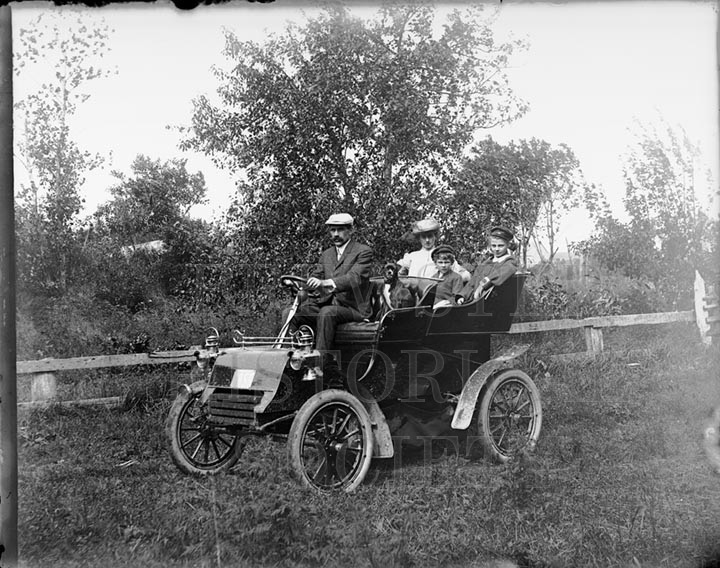 21. 1970.10.180  A Family Outing c.1910 – photographer unknown