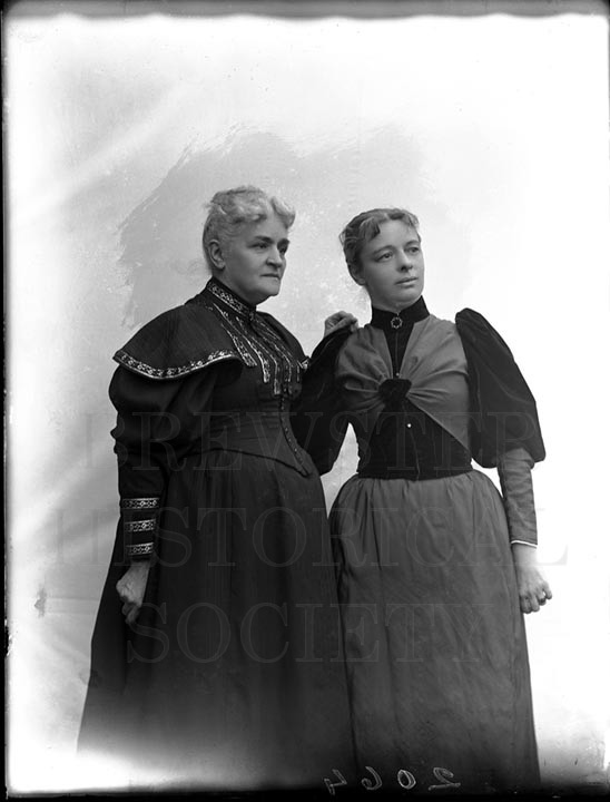 27. 1970.10.232 Mother and Daughter c.1890 - photographer Cornelius Chenery
