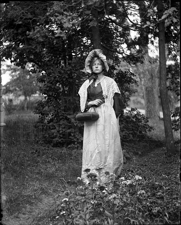 53. 1970.10.T986 Elinor [Mason] in Garden c.1900 – photographer unknown