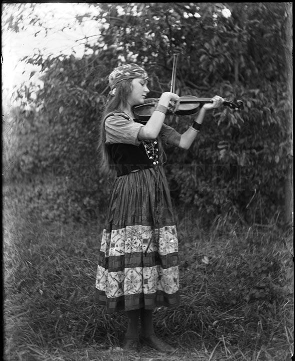 55. 1970.10.T112 Millie Allen c.1900 - photographer Cornelius Chenery