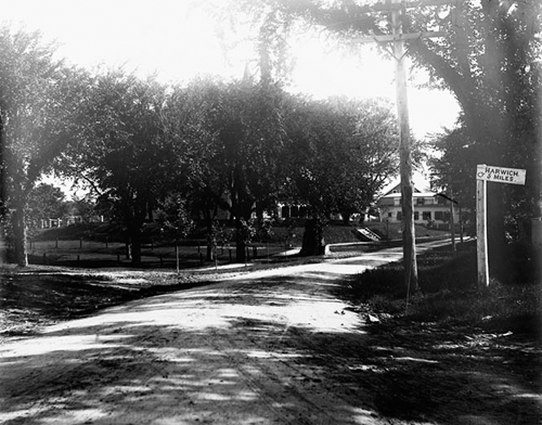 38. 1970.10.111 – Main Street