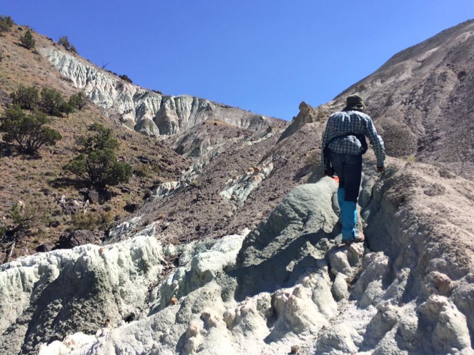The author climbs Hawk Rim, Oregon. Photo courtesy Win McLaughlin.