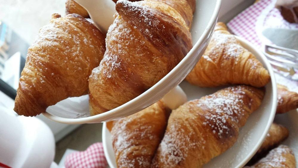 croissant-319534_1280.jpg
