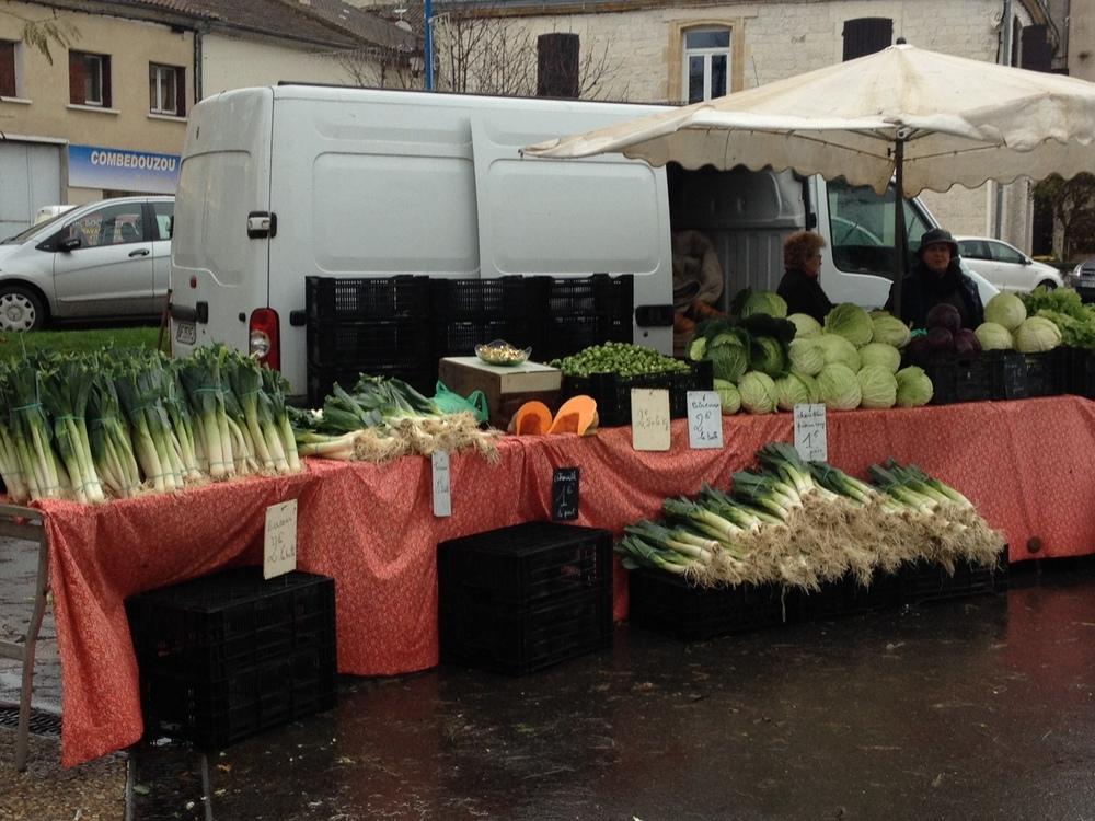 Montaigu de Quercy market.