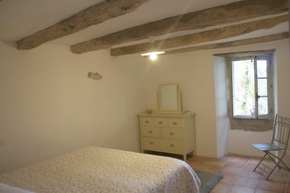 8.Beauville bedroom.