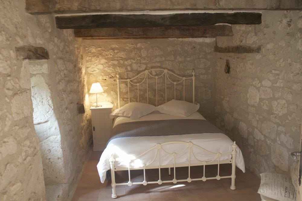 13. Roquecor bedroom.