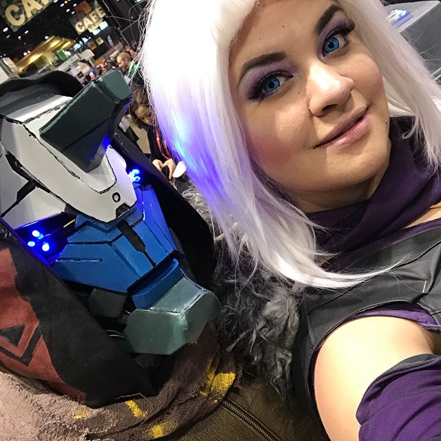 #marasov and #cayde6 from #destiny! You can see how much Cayde's facial expression changes 🤣 Excited to do a version 2 of this costume and finally post some full body shots after ACen!  #c2e2 #cosplay