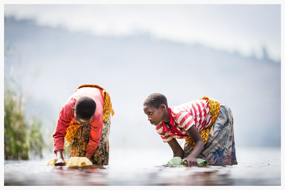 Collecting water in South West Uganda.Photo: © Marcus Perkins