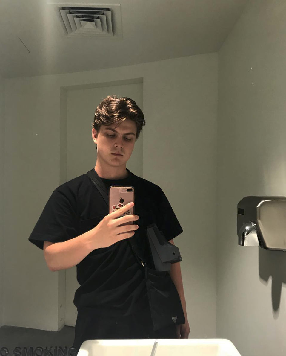 casper - Name: Casper SpencerAge: 18Studying: Currently doing an internship with Human rights foundationLocation: New York/ Norway