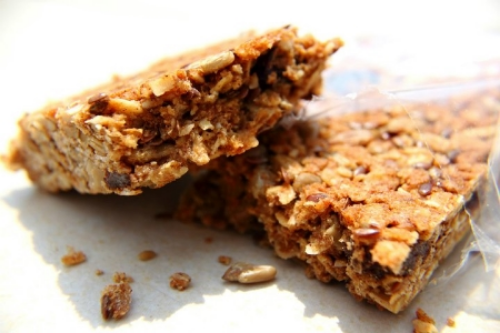 Founded by a mother with a son who has a serious allergy to nuts, the bars contain rolled oats, toasted sunflower kernels, flax seed, dried fruit, whey protein, and honey.