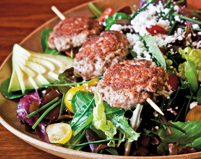 Roam Farmers Market Salad with Turkey Burgers
