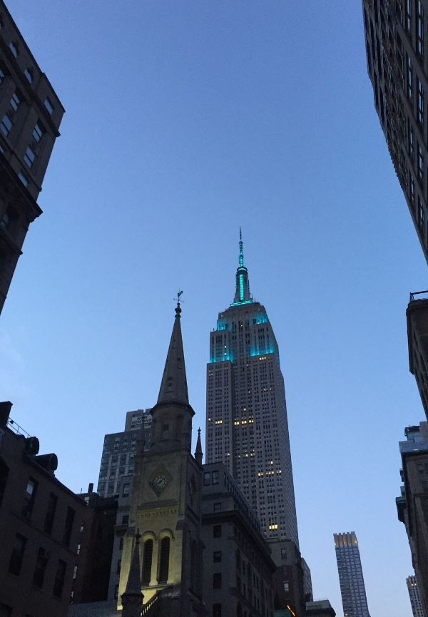 The Empire State Building Lit Up in Teal for Food Allergy Awareness Week!