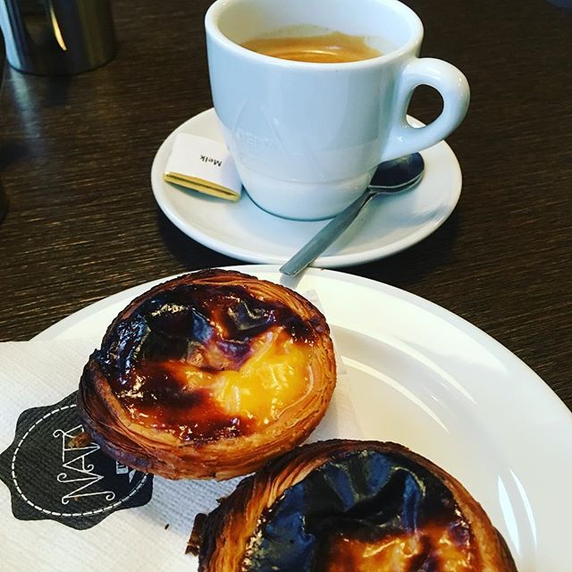 Need to beat the cold blues ❄️❄️❄️? Take a little trip to Portugal 🇵🇹 without leaving Amsterdam! #worldneedsmorenata #coffeebreak #nata #treatyoself @natalisboaamsterdam