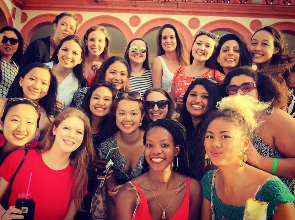 CUBA_CANDELA_selfie_millenials_havana_girls
