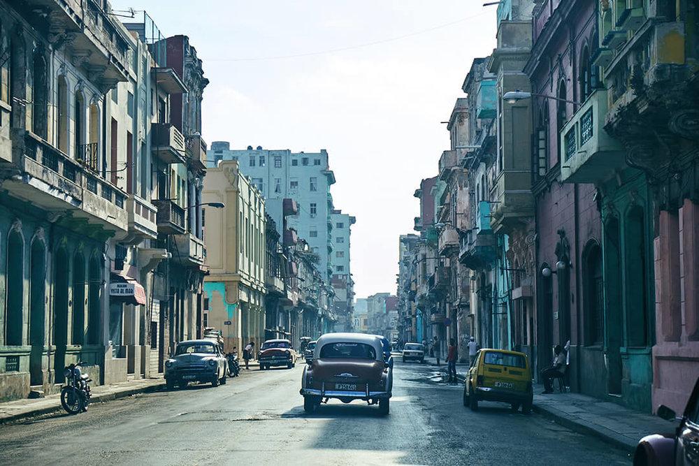 Cuba_Candela_Street_Classic_Car_Old_Havana.JPG