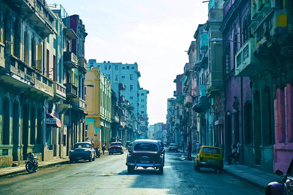 Havana_Street_Classic_Car_Old_Cuba.jpg