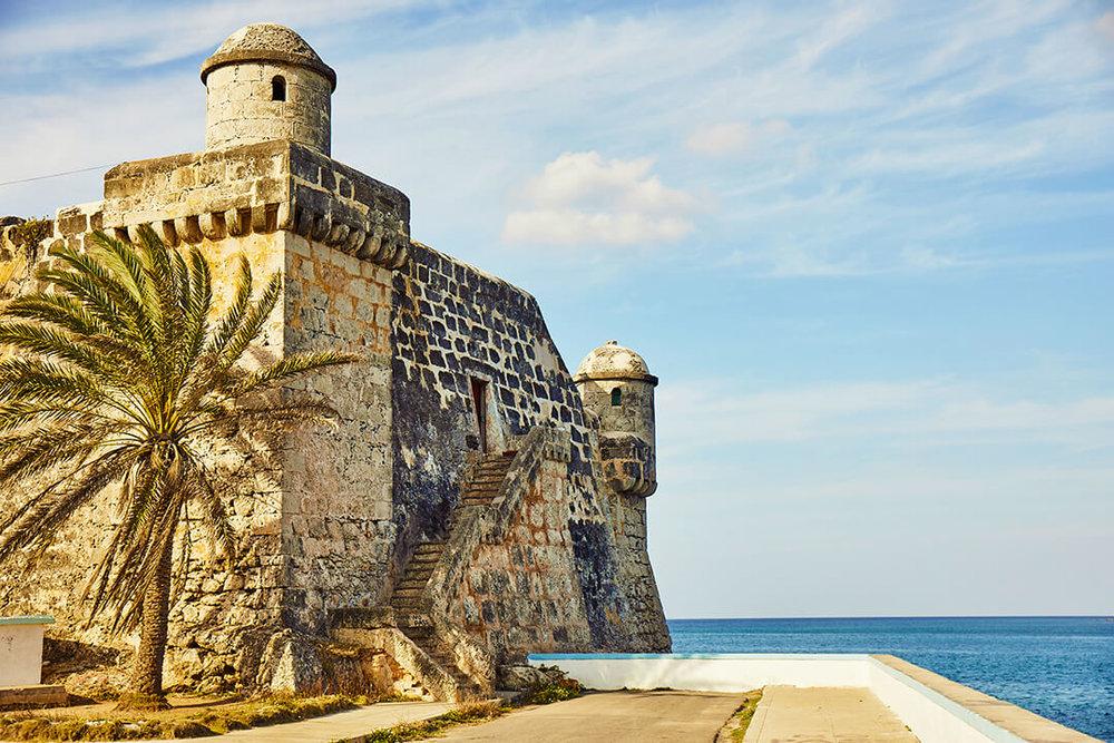 cojimar_cuba_travel_fort_by_the_sea.jpg