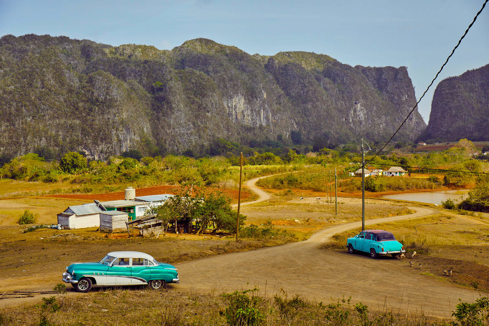 cuban_countryside_vinales_mogotes_classic_cars.jpg