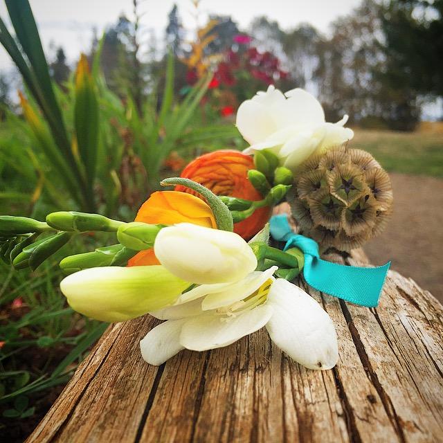 Sarah Renard Floral 60s Inspiration Boutonnieres