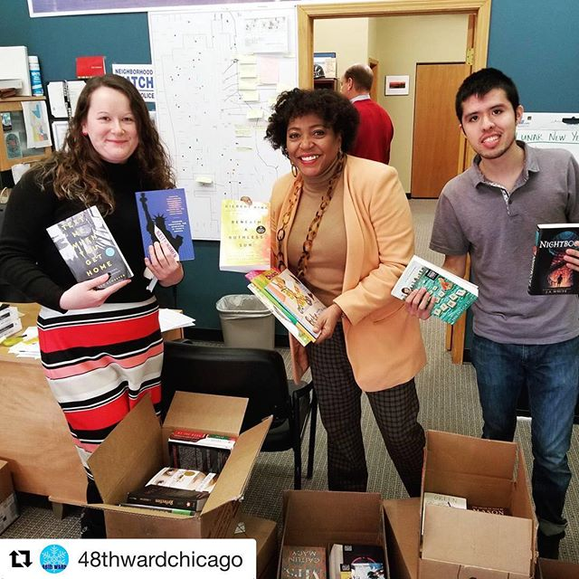 #Repost @48thwardchicago ・・・ Happy #bookgivingday! Celebrate by putting a book into your nearest @edgewaterreads #littlefreelibrary ! Thank you to @wcfbook for another awesome donation of books!! #edgewaterreads #edgewaterchicago #48thwardchicago #lovelocal #readmore
