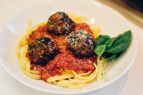 web recipe HIS meatballs sauce pasta copy.jpg