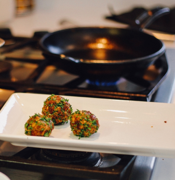 web recipe HIS meatballs step 4 med heat pan copy.jpg