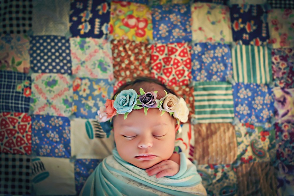 Ellis-newborn-picture-Art-and-Soul-Photography [WEB].jpg