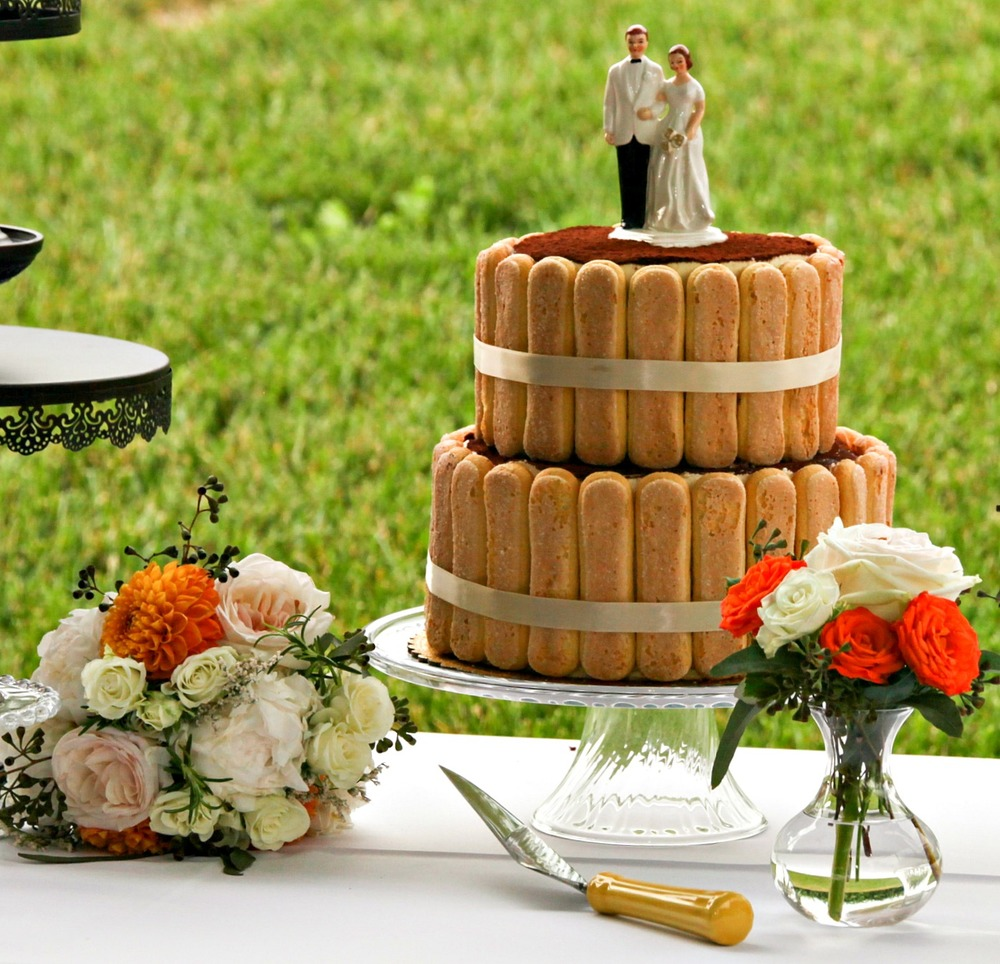 vinyard-weddint-cake-table.jpg