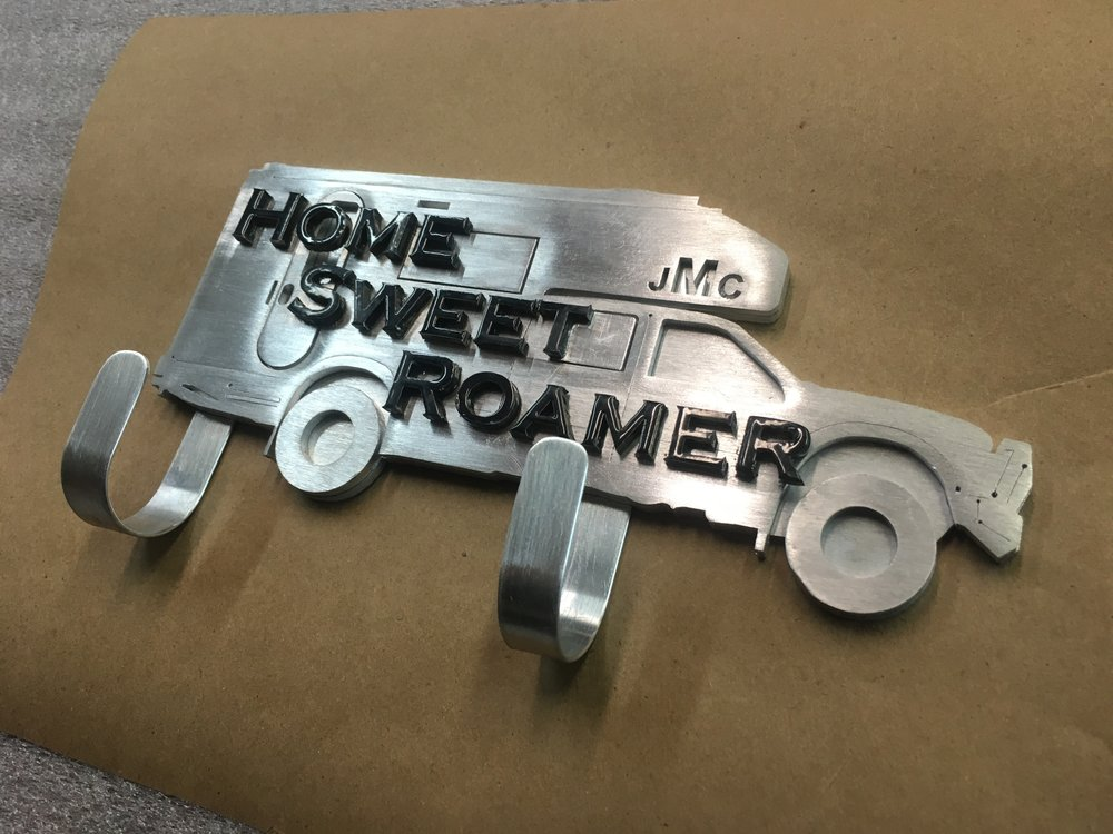CustomMetalSign-HomeSweetRoamer-Right