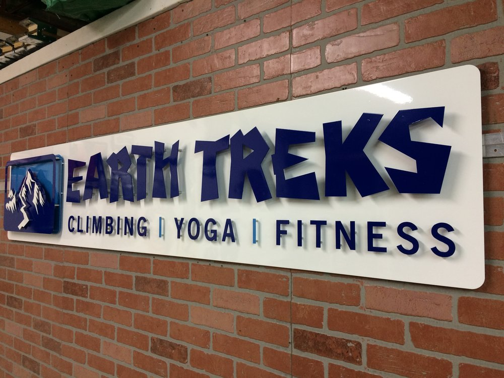 Custom Metal Sign-Earth Treks-right.JPG