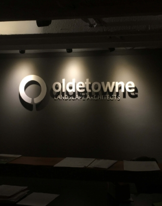 Individual Letters - externally lit - Oldetowne - powder coated aluminum sign