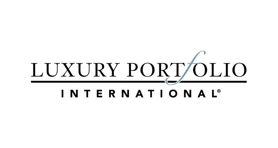 about-luxuryportfolio-bg.jpg