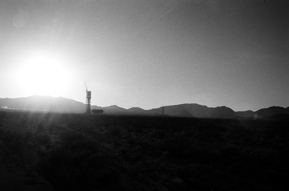 Ivanpah Solar Electric Generating System, Under Construction, 2012. PHOTO : LUNDAHL