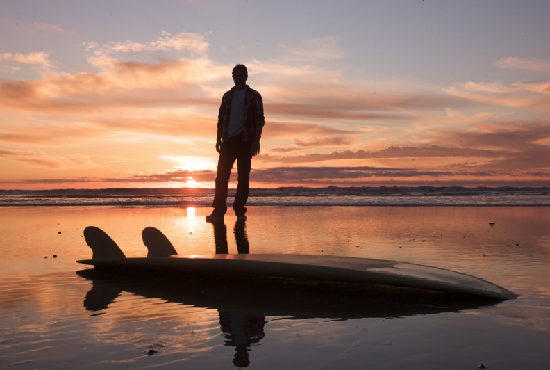 "Surfer/Shaper Jake Moss with twin keel ""fish."" PHOTO : LUNDAHL"