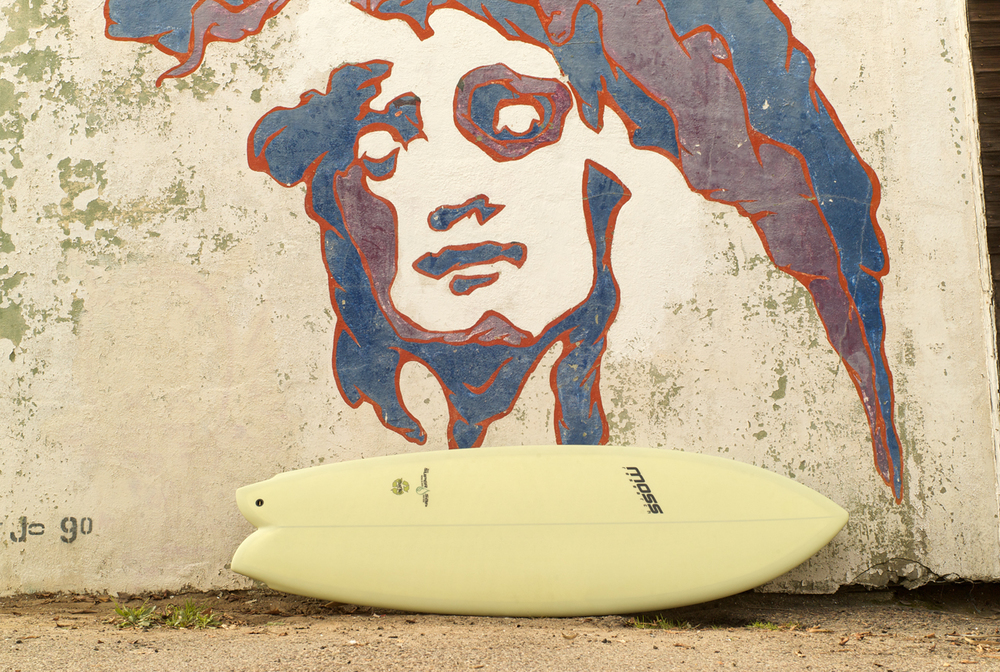 Moss Research Eco–Flex Surfboard. PHOTO : LUNDAHL