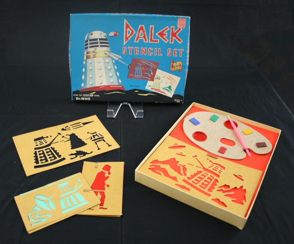 Berwick's Toy Company Ltd., Dalek Stencil Set