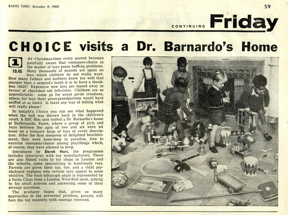 Radio Times, December 11-17, 1965 (showing Codeg clockwork Dalek in centre of photo)
