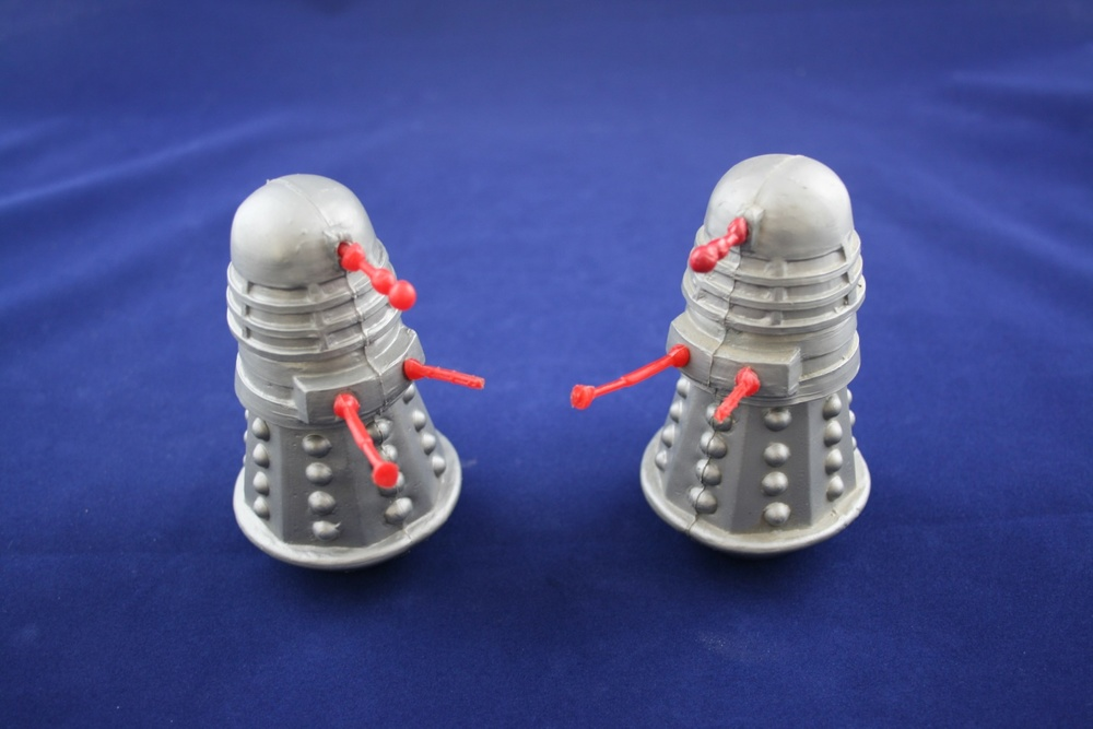 Randall & Wood Ltd., Dalek skittles (WANTED - complete bagged set with header card)