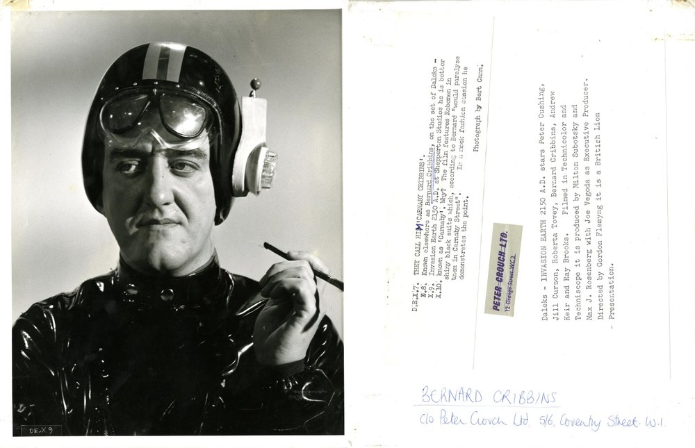 Bernard Cribbins promotional photo (front and back)