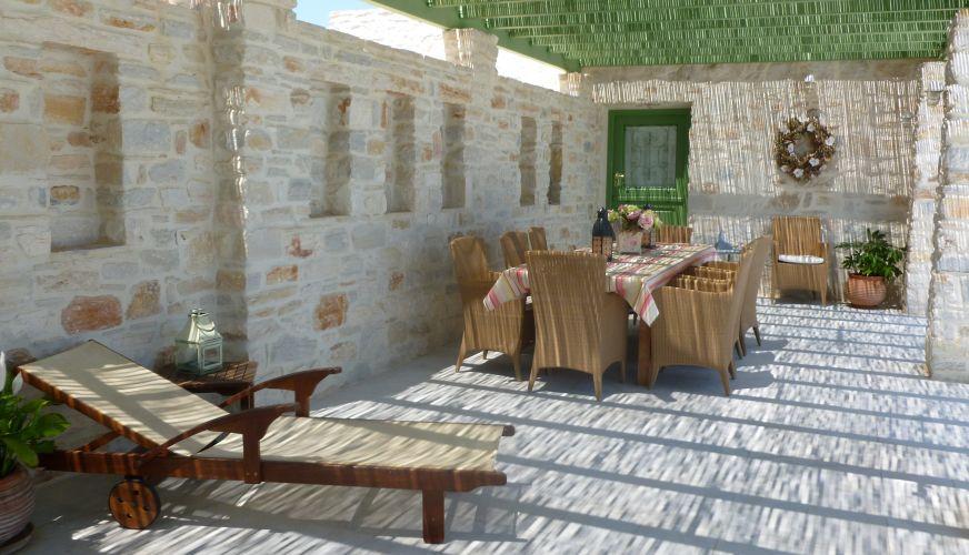 table in paros.jpg