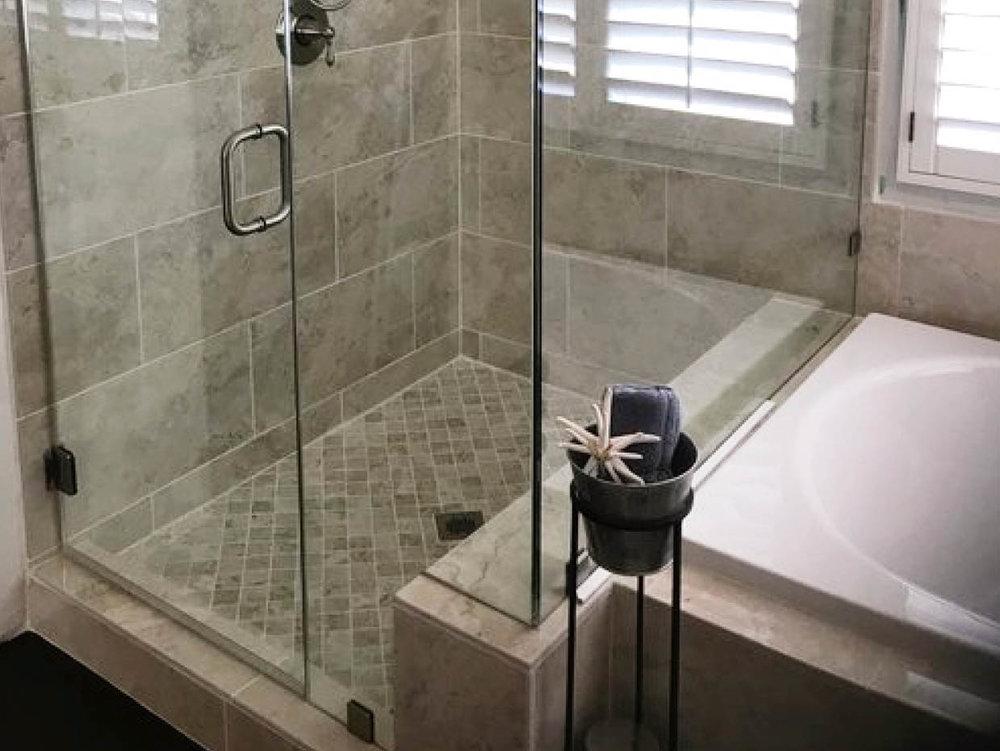 BALLESTEROS CONSTRUCTION: Bathrooms