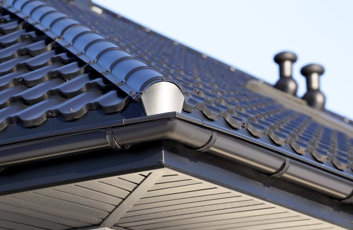 ROOFS & RAIN GUTTERS - CLICK HERE